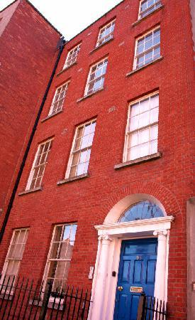 Capel Street Apartments: Capel Street Apartment Exterior