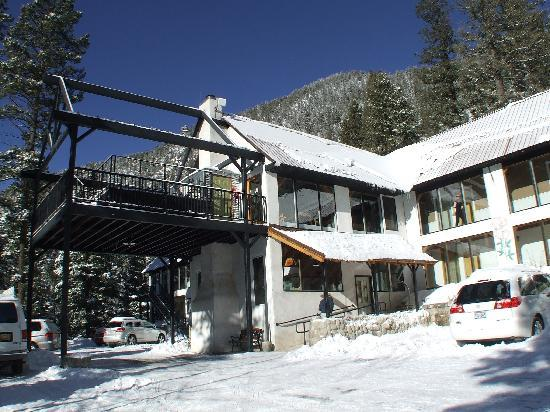 Columbine Inn & Conference Center: fresh snow