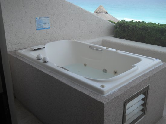 great place and food minor problems but still enjoyable On balcony hot tub
