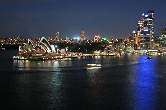 Sidney, Australia: Night at Circular Quay in Sydney.