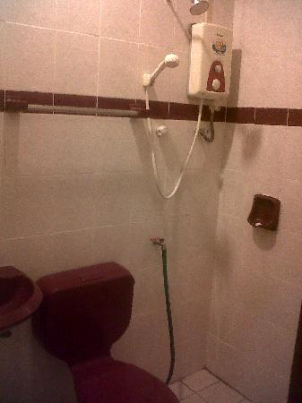 Lumut, : Bathroom