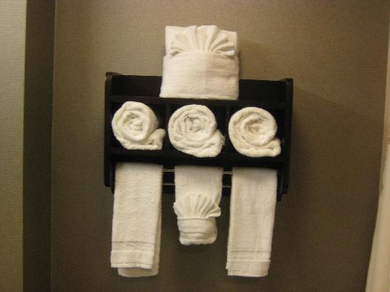Hampton Inn & Suites San Diego Poway: Lovely towel display