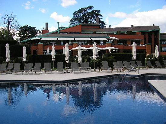 view of the outside swimming pool of la reserve spa