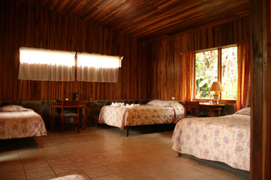 Hotel El Bosque: Large Rooms
