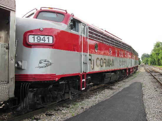 Bardstown, KY: The older style locomotives