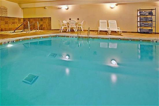 Holiday Inn Express Hotel &amp; Suites Altoona - Des Moines: Indoor pool