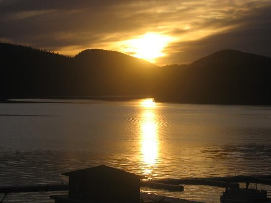 Lodge at Whitefish Lake : Sunset from our balcony 