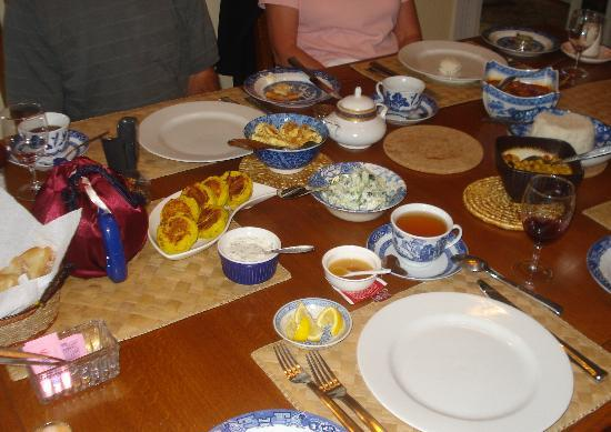 Hoppy's Bed & Breakfast: The Asian Fusion breakfast was a true feast for eyes and palate!