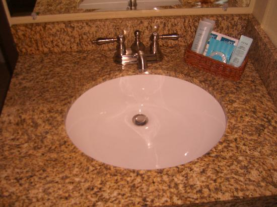 Anacortes, : Bathroom sink--spotless with great toiletries!
