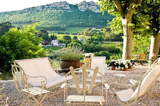 Maison 9: view over vineyards and mountains