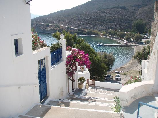 Adamas, Grecia: View from upper backside of Villa Notos