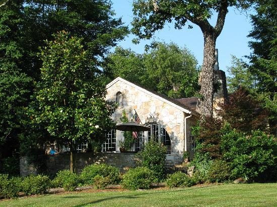 Chanticleer Inn Bed & Breakfast: Chanticleer Inn, Lookout Mountain GA