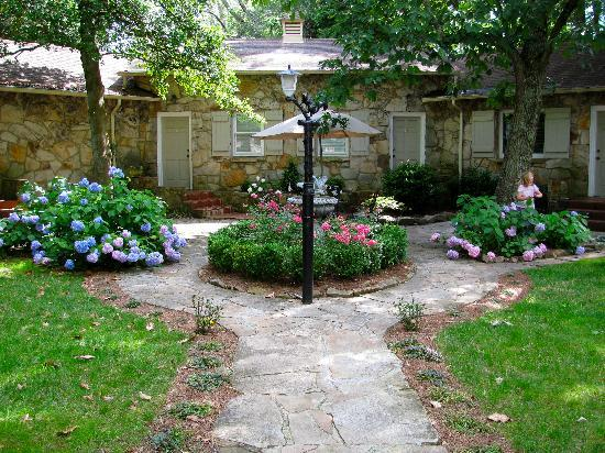 Chanticleer Inn Bed & Breakfast: Chanticleer Inn, Lookout Mountain, GA