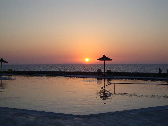 Minos Imperial Luxury Beach Resort & Spa: Sunset from the hotel