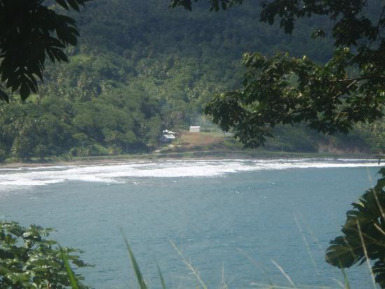 Pagua Bay House Oceanfront Cabanas: view of the property from the other side