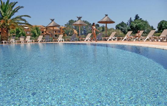 Saint Cyprien Golf Resort Hotel Le Mas d'Huston: Piscine