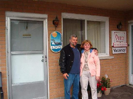 Cedar Court Motel: Tom and Marie..the friendliest hosts