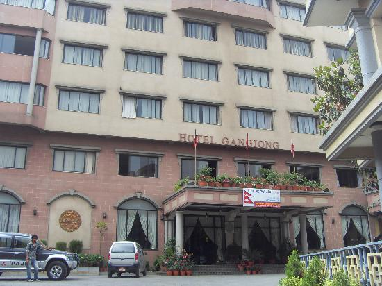 Hotel Gangjong: Entrance of the hotel