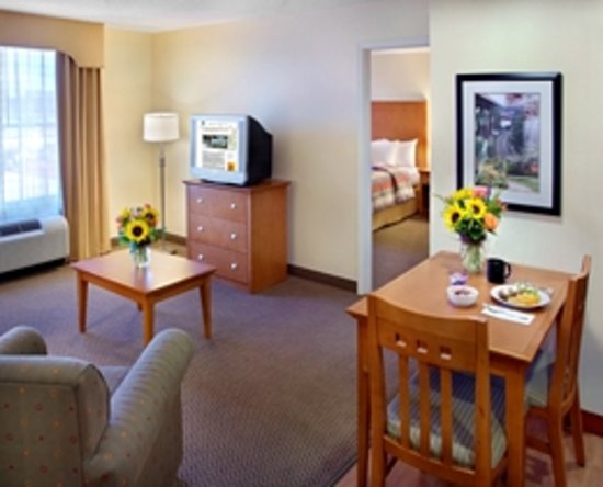 Homewood Suites by Hilton Bethlehem Airport: One Bedroom Suite
