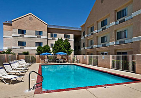 Fairfield Inn St. George: Come enjoy our year-round outdoor pool and hot tub!