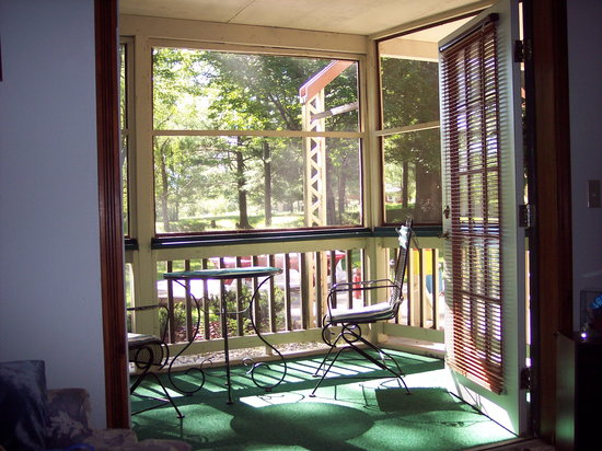 Interlochen, มิชิแกน: Our porch off the room