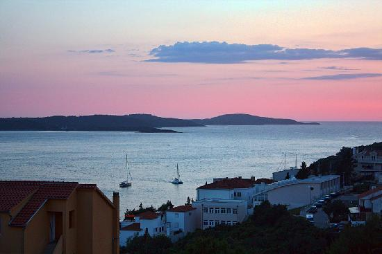 Apartments Ivanovic: A beautiful sunset view from our balcony at Aparments Ivanovic