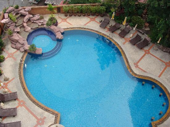 Picture of mike garden resort hotel pattaya for Pool garden resort argao