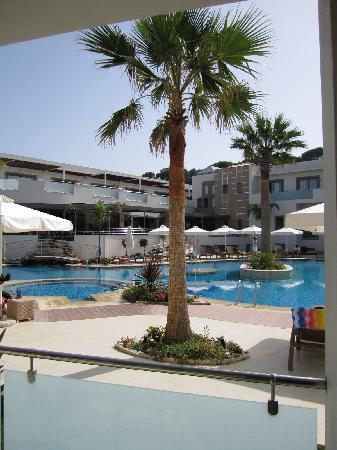 Lesante Hotel and Spa: central pool