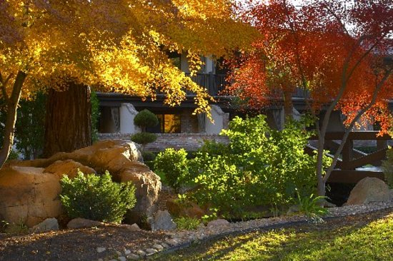 Paso Robles Inn: Stroll through our beautiful gardens with coy ponds and  trickling streams