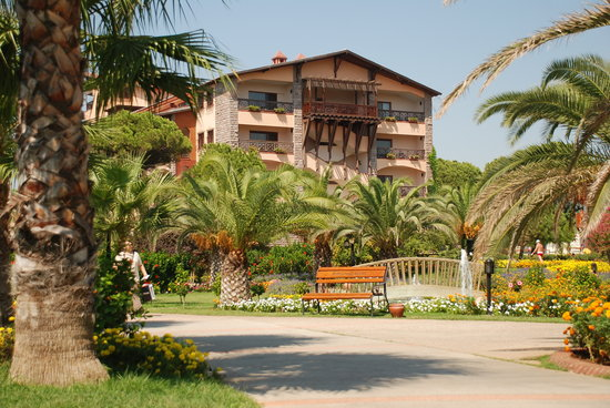 Papillon Belvil Hotel: main building and grounds