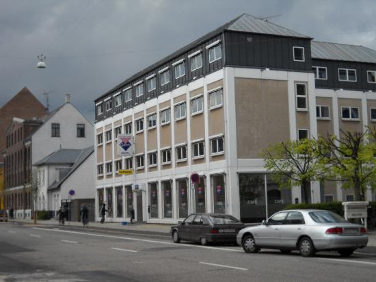 301 moved permanently for Cabin hotel copenhagen