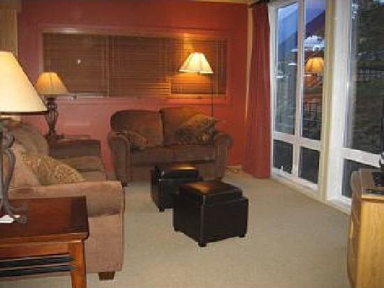 ‪‪The Mountainside at Silver Creek‬: Living room area‬