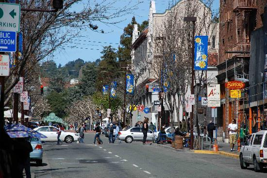 Berkeley Visitors Bureau