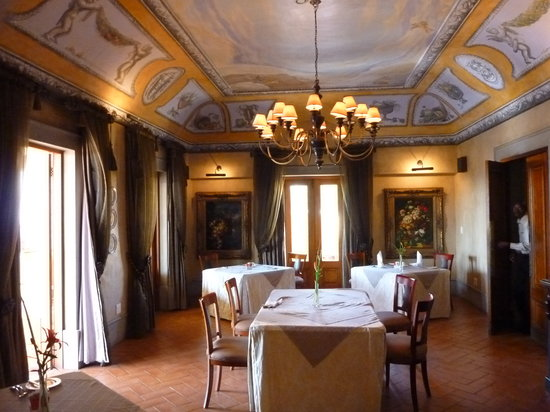 Castello di Monte: Dining Room