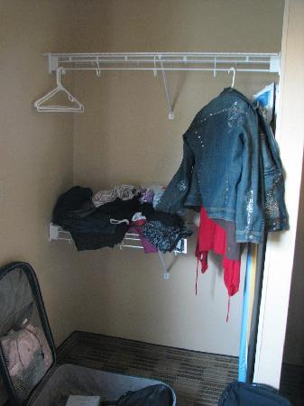 Extended Stay America - Portland - Beaverton - Eider Court: The poor closet replacement