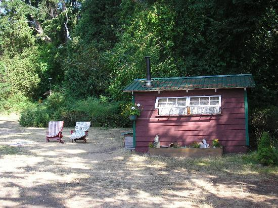 Yellow Point Lodge: Field House 8