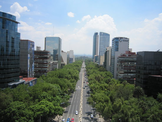 Mexico-Stad, Mexico: Reforma avenue