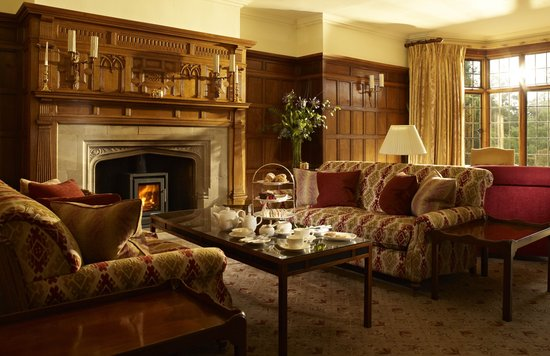 Gidleigh Park Hotel: Afternoon tea in the drawing room