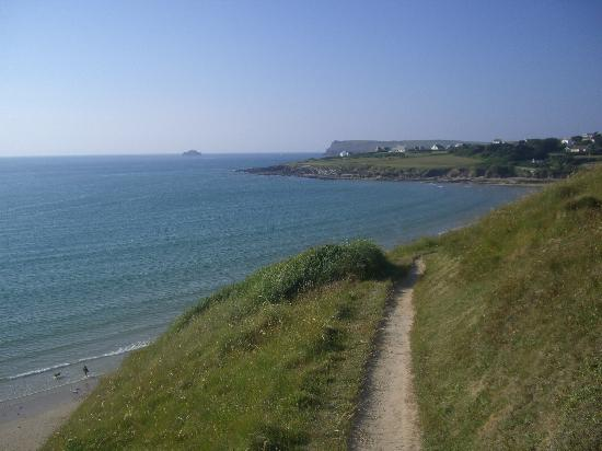 Lan-Y-Mor: The coastal walk amidst wonderful scenery
