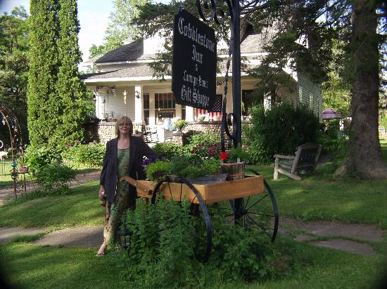 Cobblestone Bed and Breakfast: Vorderseite und die Eigentmer Mary Lou