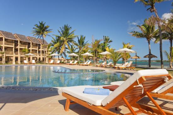Jalsa Beach Hotel & Spa - Mauritius: Pool Area