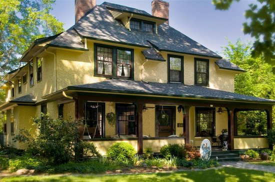 The Carolina Bed & Breakfast: an Arts and Crafts style home in historic Asheville