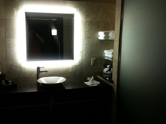 Catfish Bend Inn & Spa: Large Bathroom