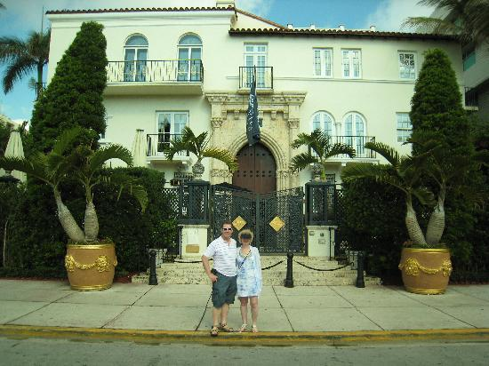 Andre agassi house picture of miami beach florida for Versace mansion miami tour