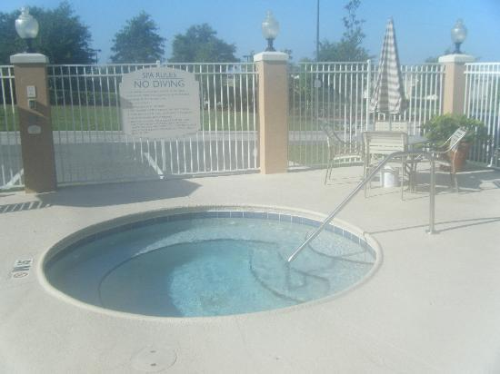 Fairfield Inn & Suites Clermont: Hot Tub