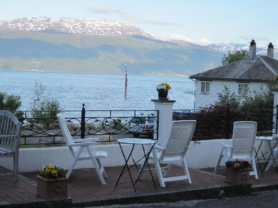 Balestrand Hotel: View from the patio