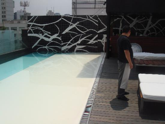 Hotel Habita: Roof Top Pool