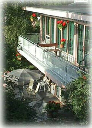 Susitna Place: Decks overlooking Cook Inlet