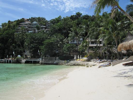 Artista Beach Villas: diniwid beach, artista at the end