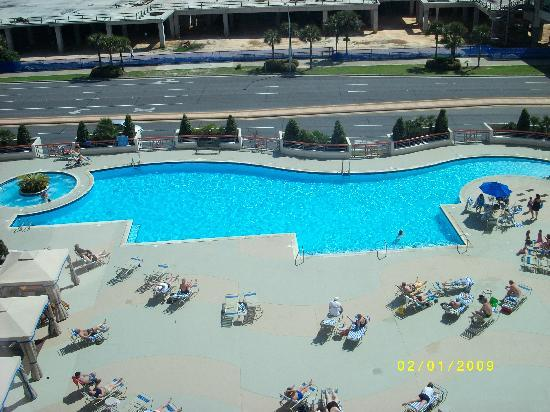 Grand Biloxi Casino Hotel &amp; Spa: View of the pool from our room